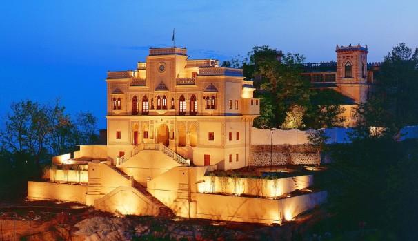 Das Fünf-Sterne-Spa Ananda befindet sich im Himalaya Gebirge in Indien.