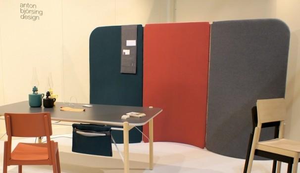 Praktisches Design von Anton Björsing: Schreibtisch-Hängetasche mit zusätzlichem Stauraum.