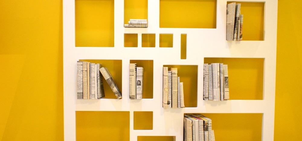 Fünf German Studios: Ein Bücherregal, in dem wirklich nur Bücher Platz haben.
