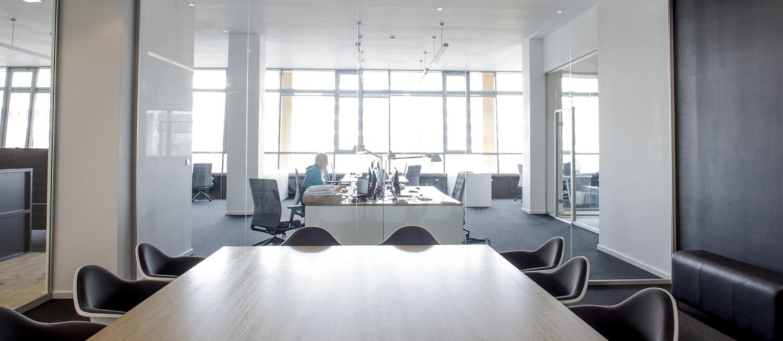 Nachdem das damalige Ladenbüro in der Münchner Au mit der Zeit nicht mehr genügend Platz bot, begab sich die Agentur auf Bürosuche. Eine Fläche für 25-30 Mitarbeiter musste her.