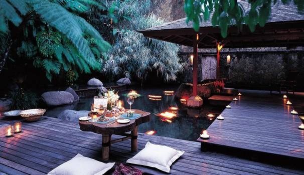 Candle Light Dinner auf Indonesisch.