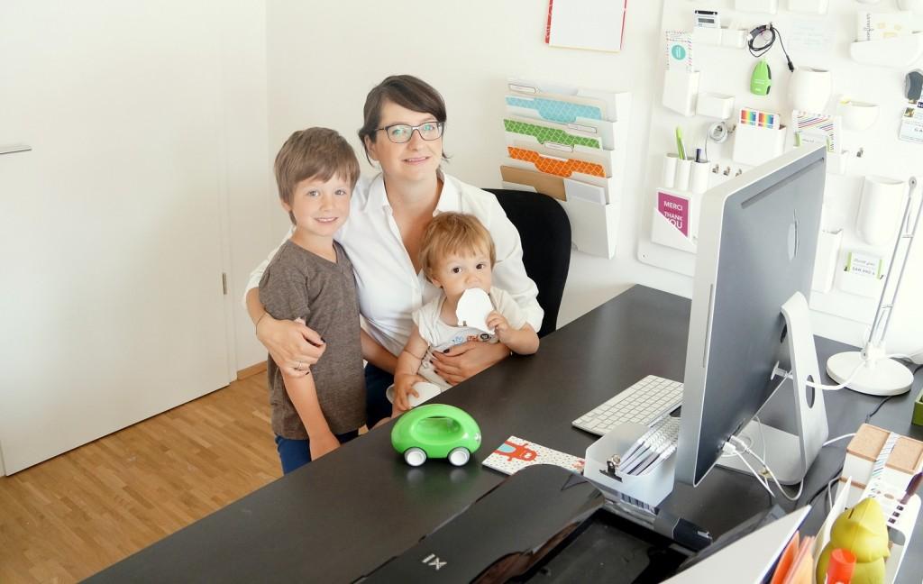 Arbeiten im Home Office: Für die Designerin die perfekte Möglichkeit, Arbeit und Kinder unter einen Hut zu bringen.